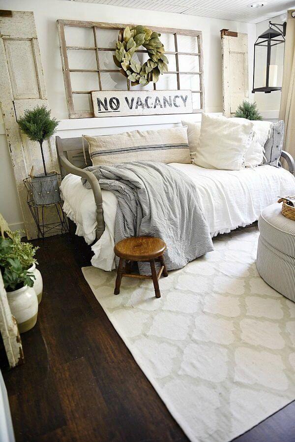 Shabby Chic Farmhouse Living Room Decor Ideas