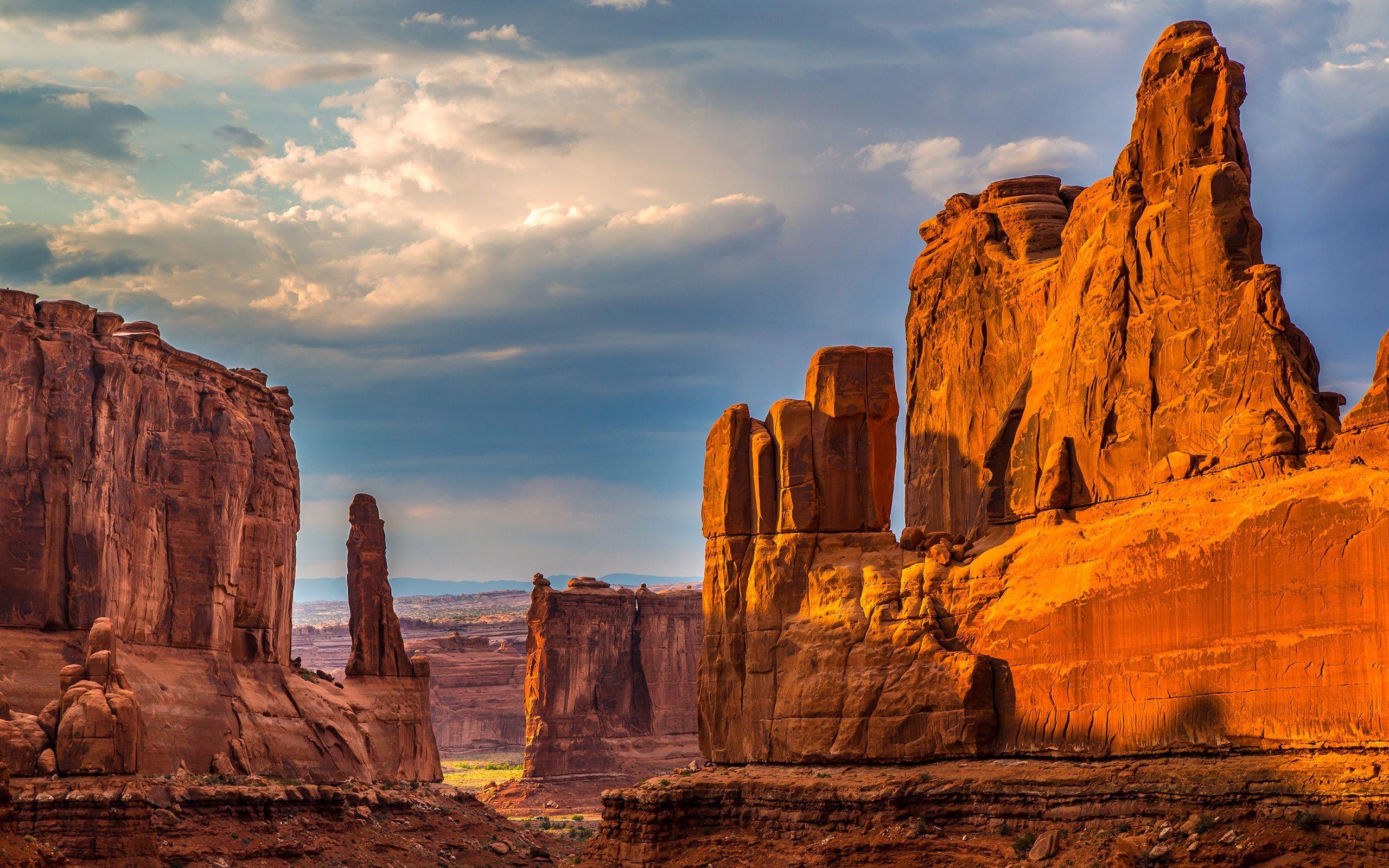 Nature, falaises, canyon, roches, désert, ciel, nuages Fonds d'écran - 2560x1600