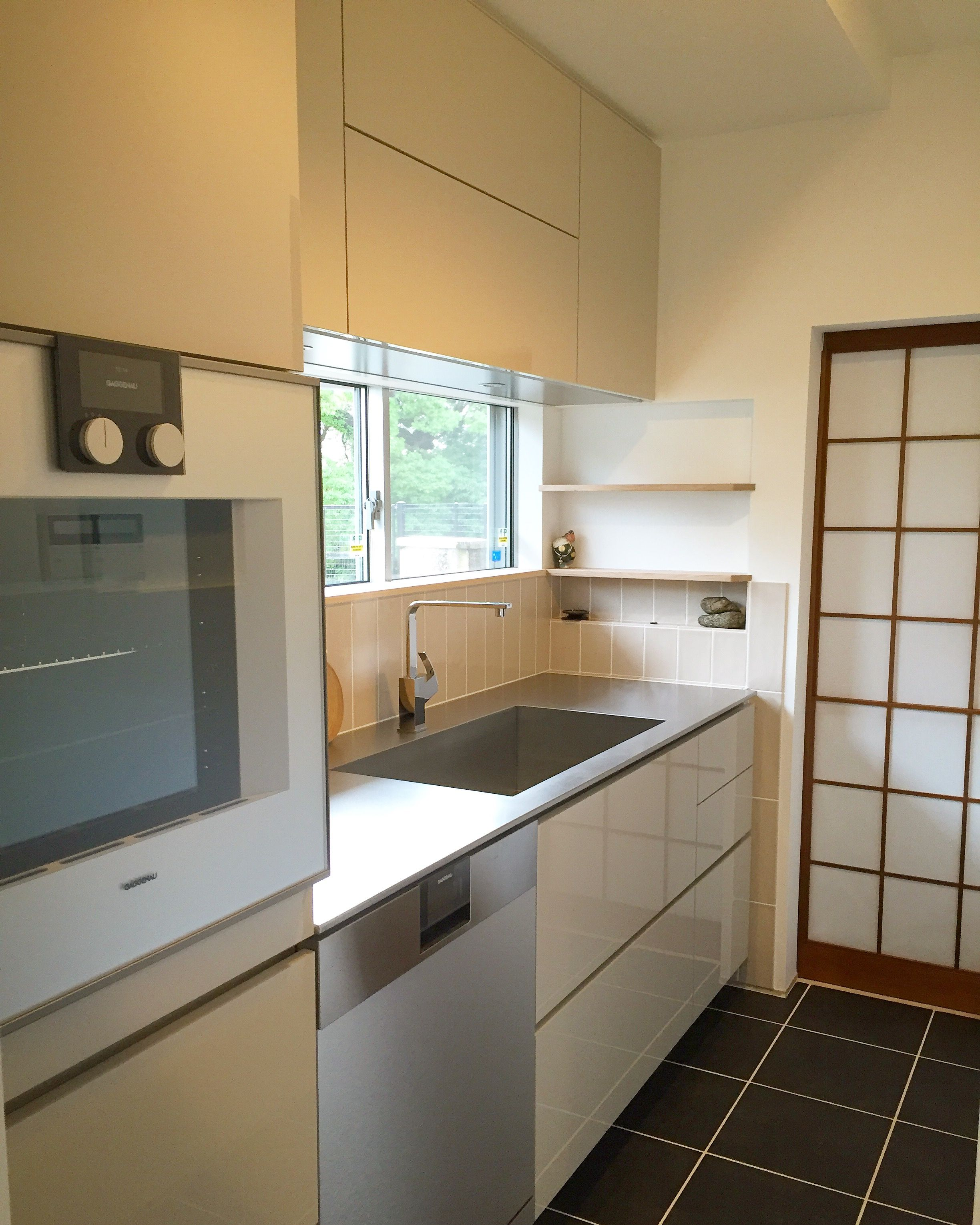 施工事例 壁付けキッチン 二世帯で住まれるお客様で お嬢様の