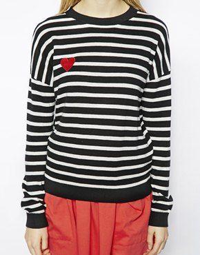 Pullover mit Streifen und Herzaufnäher