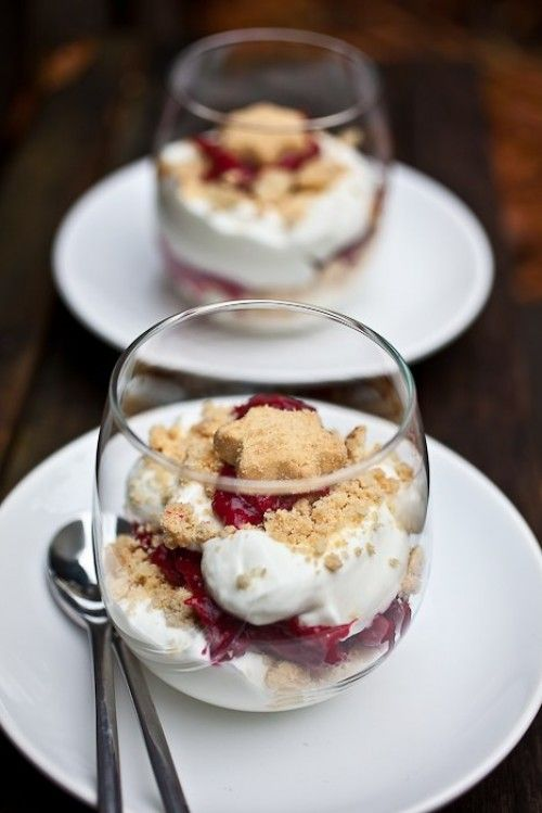 cranberry fool with shortbread star biscuits