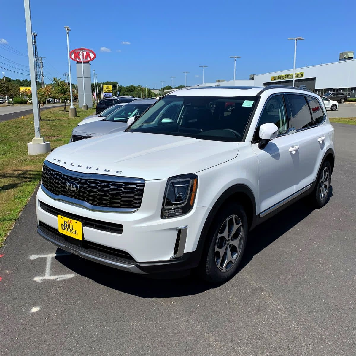 2020 Kia Telluride In The Highly Sought After Snow White Pearl These Beauties Do Not Stay On Our Lot For More Than A Few Days Kia Pearl White Telluride
