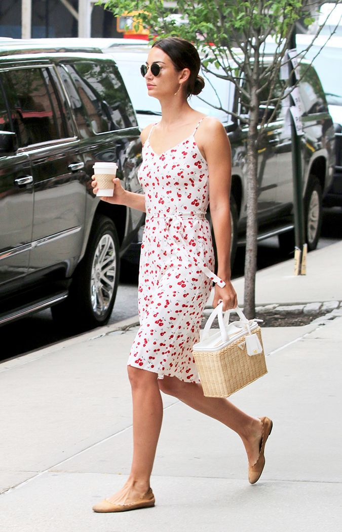 a8381661e6 Here are seven celebrity-inspired dress-and-shoe combos to try this summer