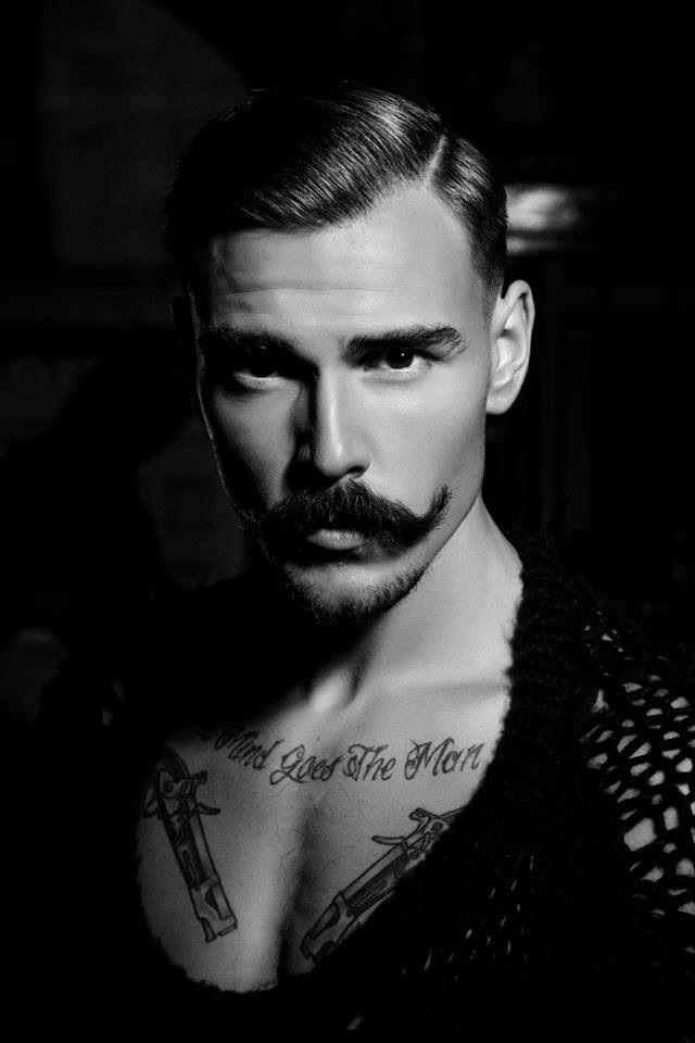 Resultado de imagen para hombre guapo con bigote