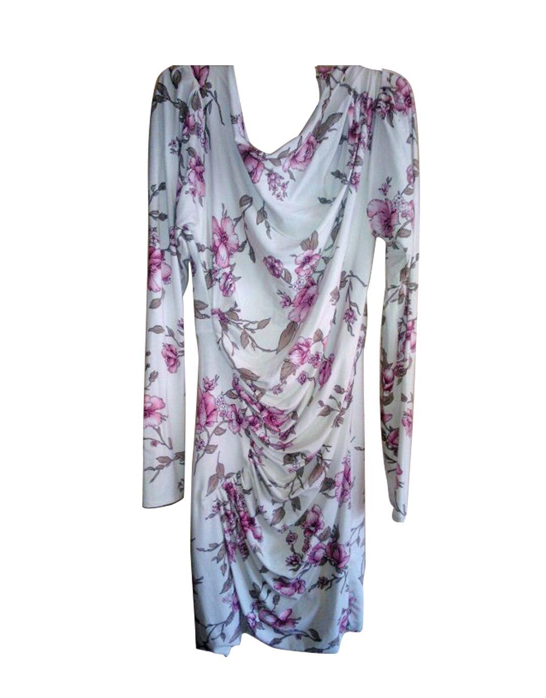 94aa42667 Vestido ajustado drapeado flores 66.67€