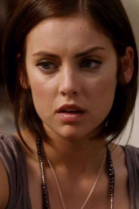 17 season 17 Erin Silver / Jessica Stroup srt hair bob chin ...