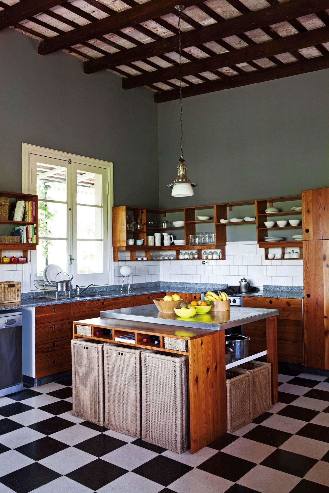 Una casa en el campo con mucho diseño | Pisos en, Mimbre y Acero ...