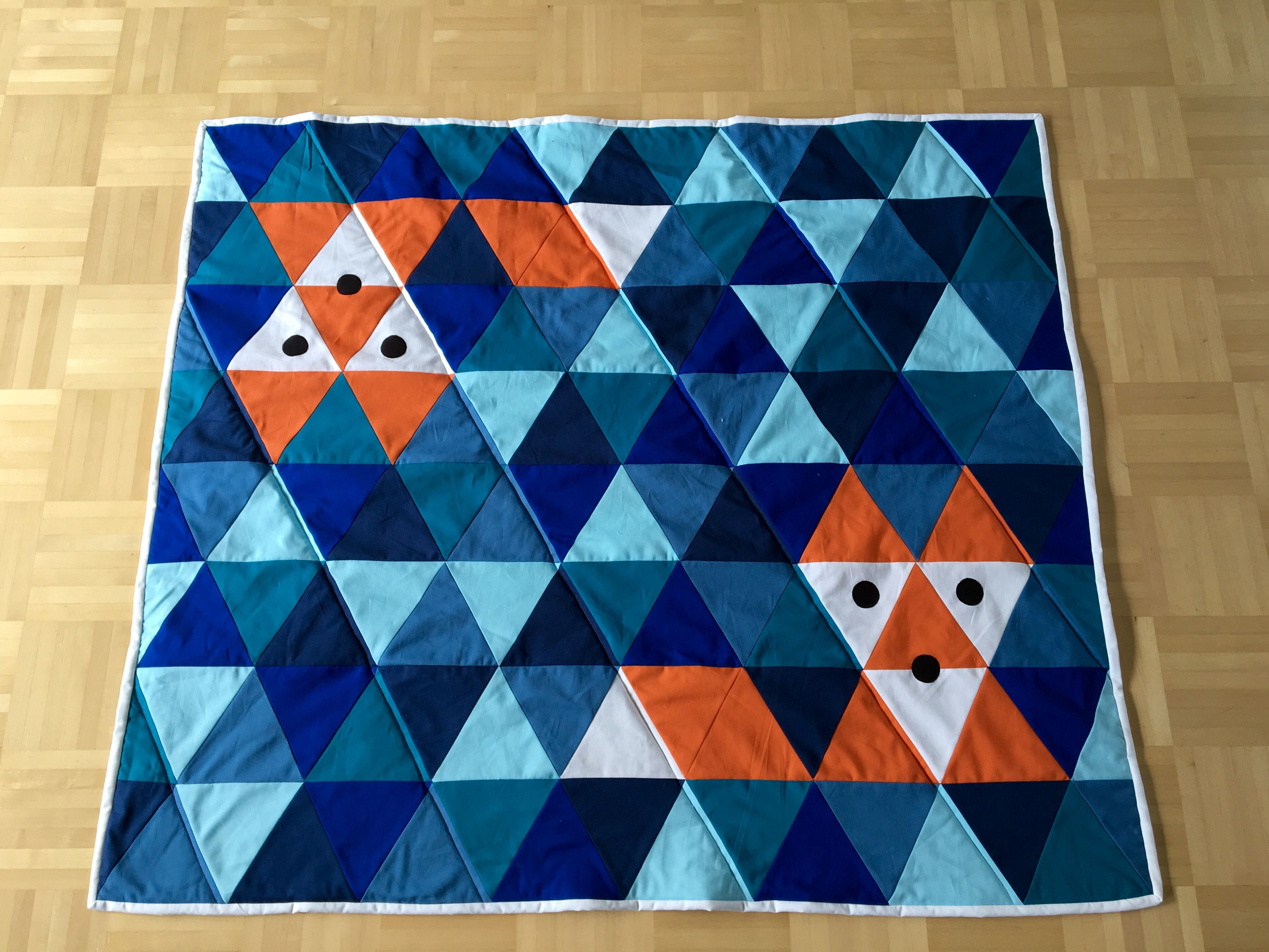 Patchworkdecke+aus+Dreiecken | Schnittmuster, Ideen und Tipps ...
