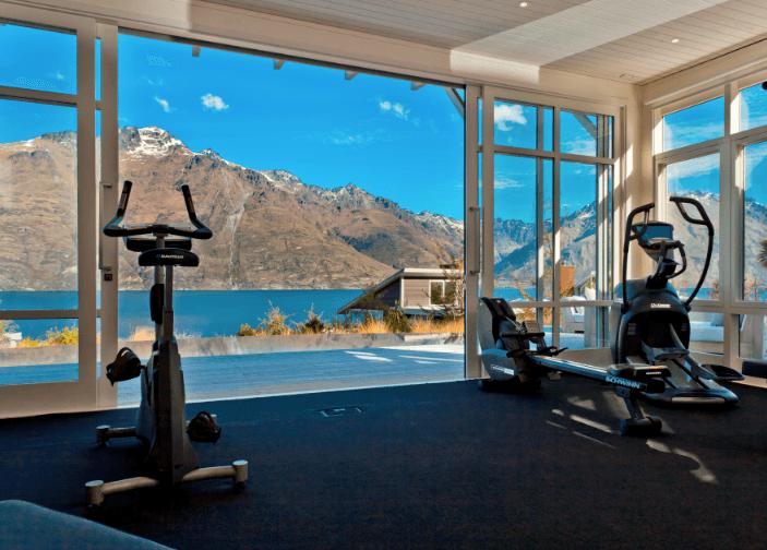Awe Inspiring The Worlds Most Luxurious Hotel Gyms Luxury Gyms Hotel Interior Design Ideas Skatsoteloinfo