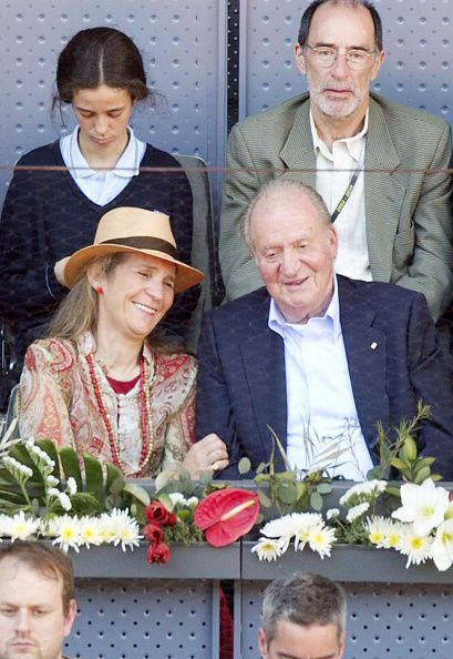 King Juan Carlos (R), Infanta Elena (L) and her daughter Victoria Federica de Marichalar (back-Left) attend at match of Rafael Nadal of Spain during day five of the Mutua Madrid Open tennis tournament at La Caja Magica on May 3, 2016 in Madrid, Spain.