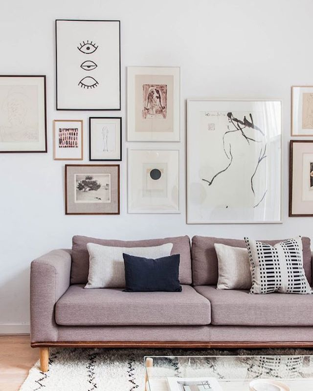 Love @holly_avenuelifestyle new sitting room make-over is so inspiring! See the full tour on the blog today (link in bio). @holly_avenuelifestyle #sittingroom #gallerywall #sofa