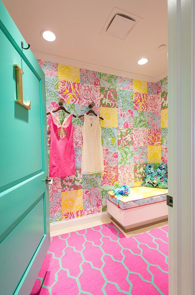 lilly pulitzer dressing room i like colors in decoration pinterest d co dressing n on et fluo. Black Bedroom Furniture Sets. Home Design Ideas