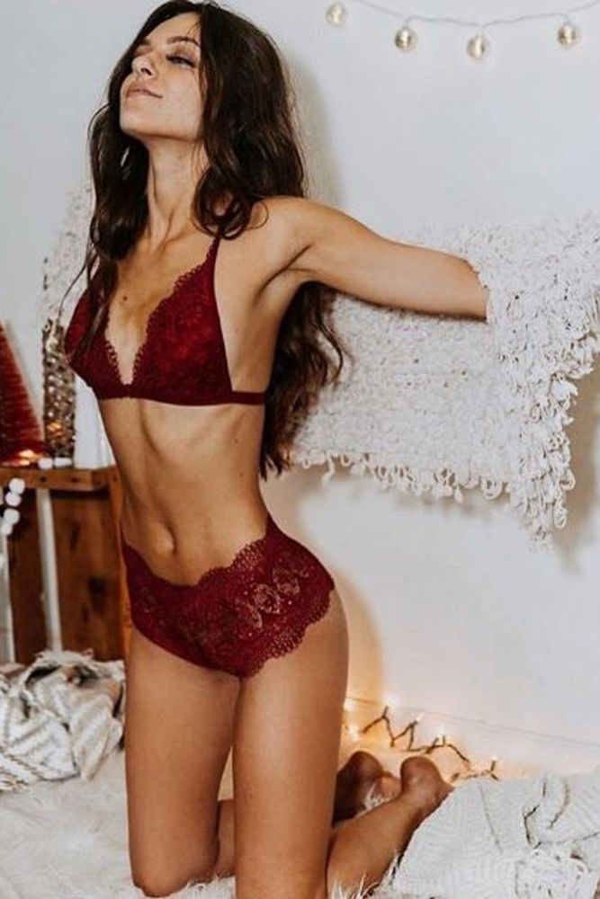 a burgundy lace lingerie set with high waist pants looks chic and boho d26e047231cb0