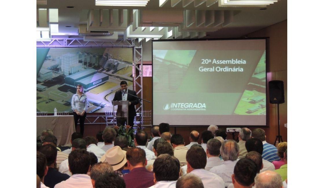 20a. Assembleia Ordinária - Integrada Cooperativa Agroindustrial. Evento realizado no dia 25/02/2016 no Recinto Milton Alcover, Parque Ney Braga em Londrina-PR. Produção Audiovisual da Frezarin Eventos. Mais fotos em: http://goo.gl/fqs5yp