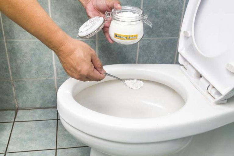 4 Soluzioni Naturali Per Eliminare Le Macchie In Bagno Nel 2020 Pulizia Del Wc Pulizia Del Bagno Pulizia Water