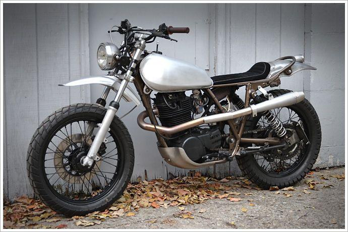 Yamaha xt500 single naked chick motorbikes sr 500 for Yamaha xt500 motorcycle