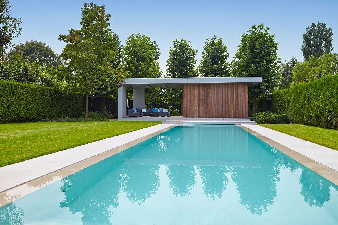 Modern poolhouse in trespa en hout bogarden bijgebouw - Modern house with pool ...