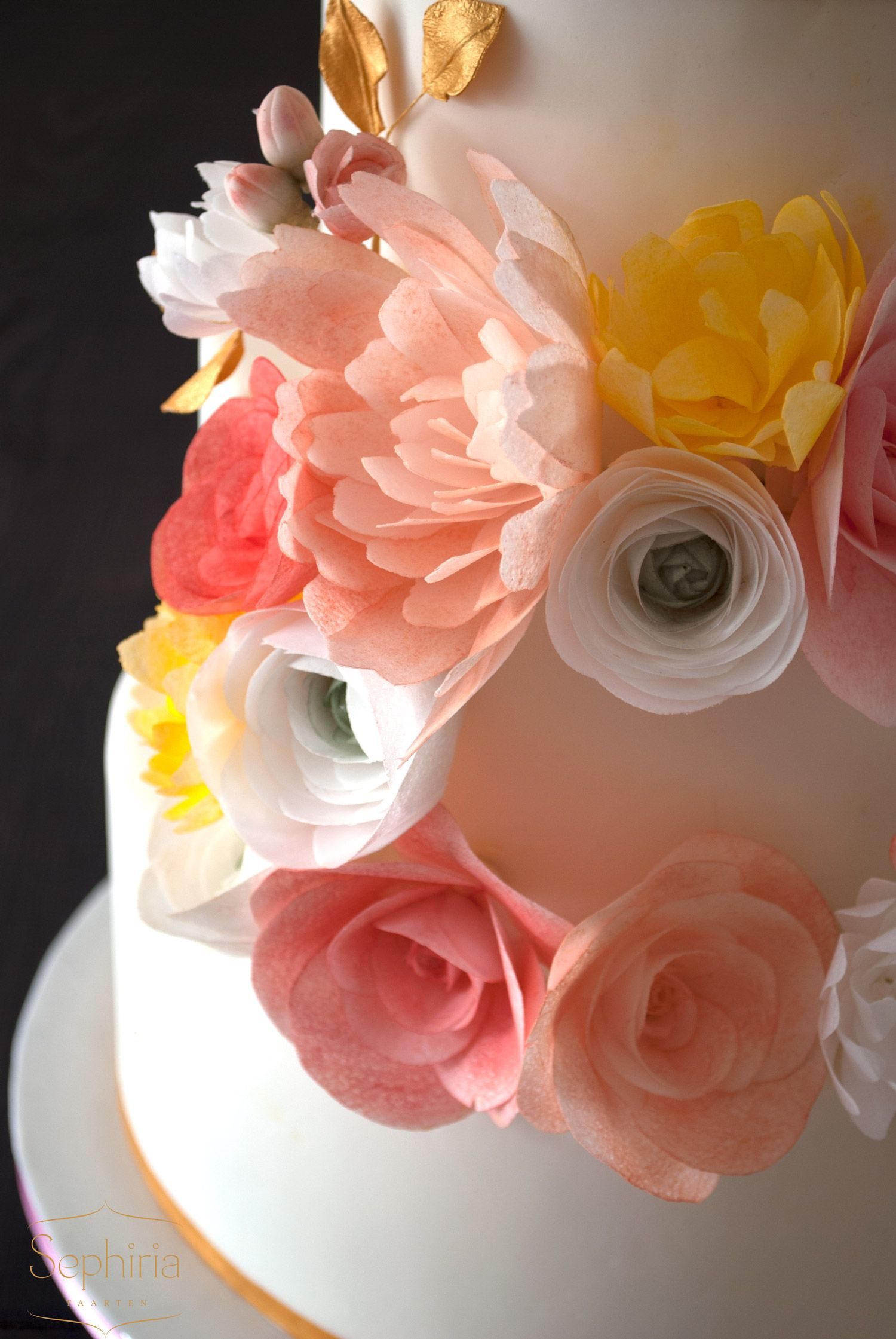 Wedding Cake With A Wreath Of Wafer Paper Flowers Floral Cakes