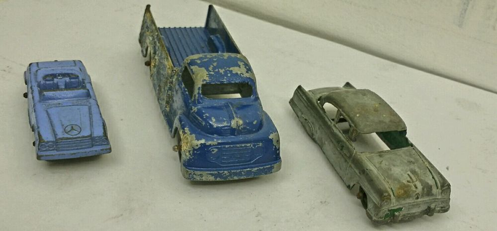 Lot Of 3 Old Vintage Antique Tootsietoy Diecast Toy Cars / Truck