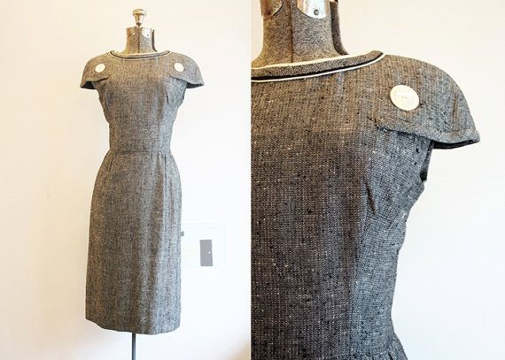 1950's Gray Day Dress. Great sleeves.......