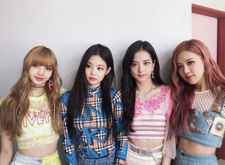Blackpink Images Gifs Blackpink Images Gifs Presentation Blackpink Forever Young Kim Jennie