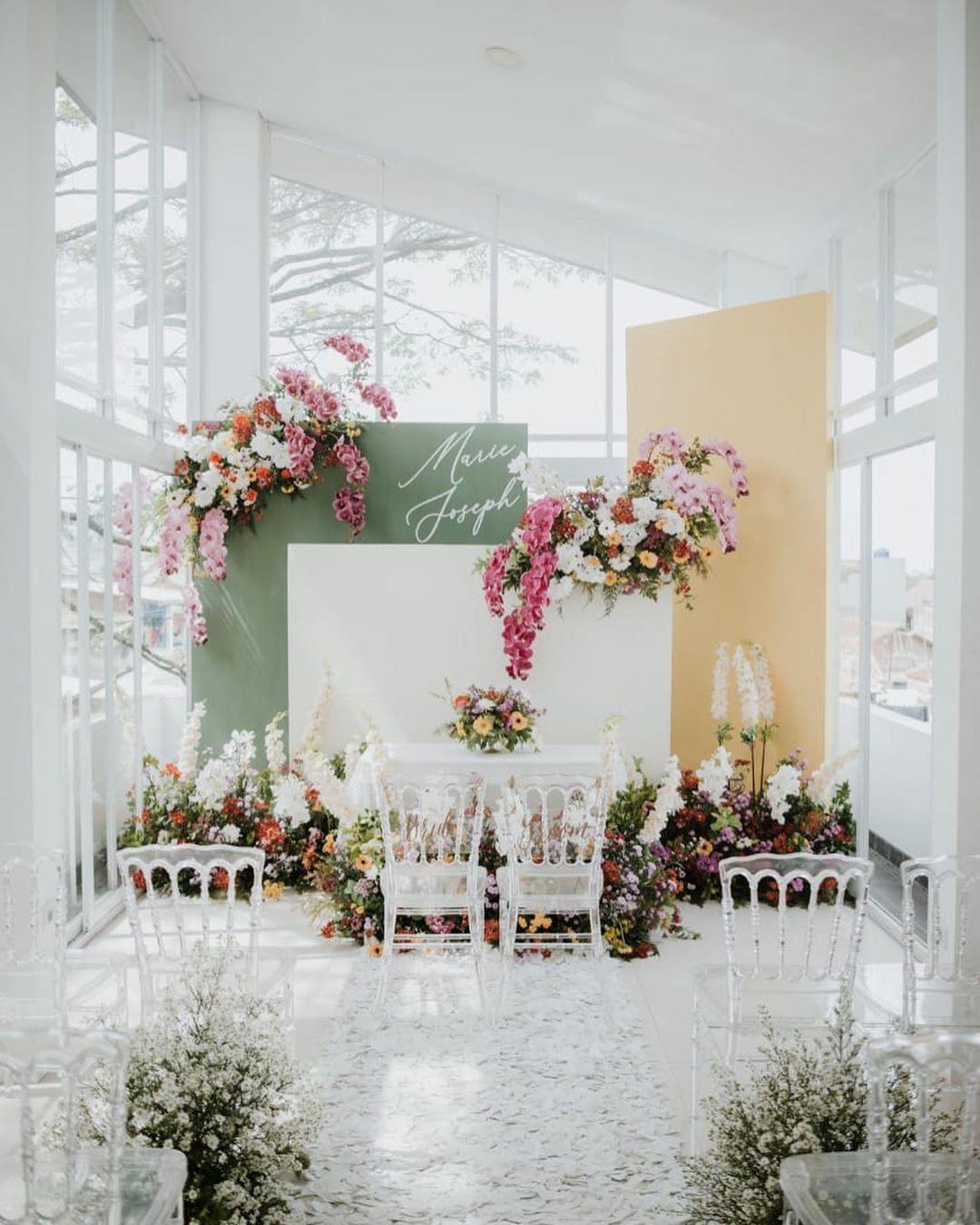 Diy Dekorasi Lamaran Simpel Nan Elegan Idewedding Di 2020 Dekorasi Pernikahan Klasik Lamaran Pernikahan Latar Belakang Pernikahan