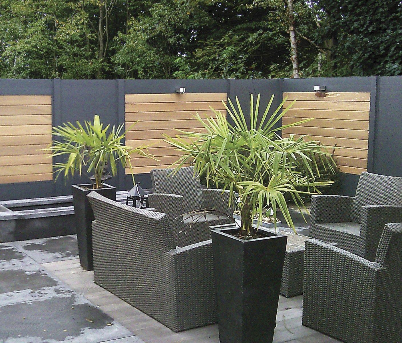 ideal une palissade sur mesure au design contemporain bois composite le bricomag idee chambre. Black Bedroom Furniture Sets. Home Design Ideas