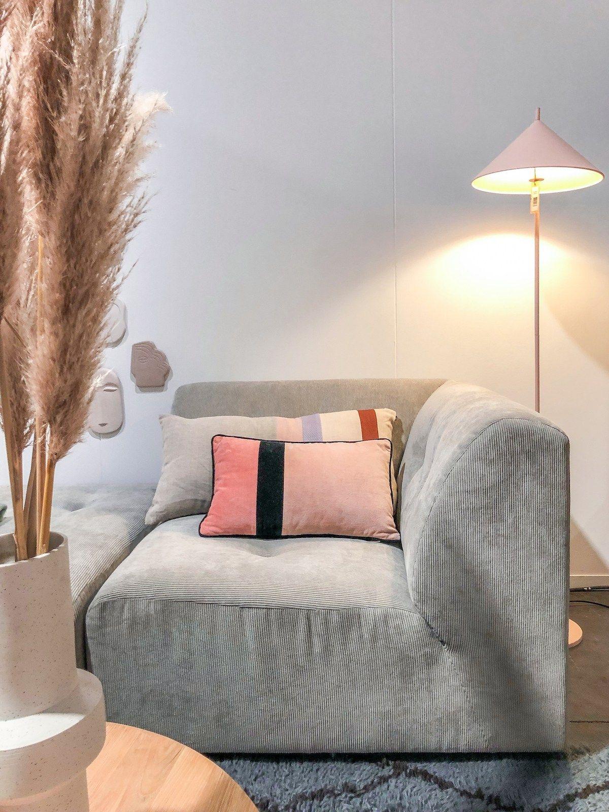 Comment Nettoyer Un Canapé En Cuir Gris Clair comment nettoyer du velours - blog déco | maison et objet