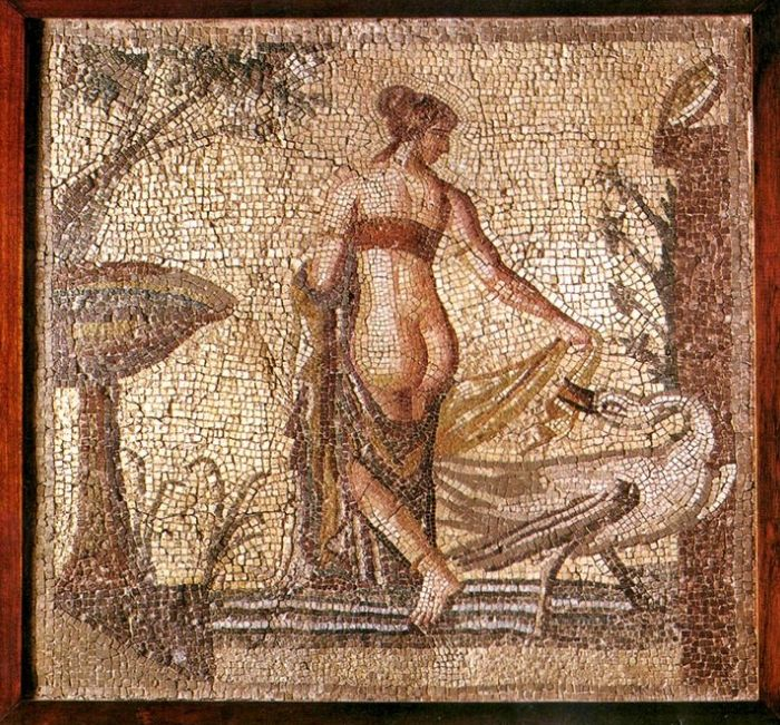 Leda and the Swan in Pompeii - Leda and the Swan in Pompeii City A group of archaeologists work in the Pompeii archaeological park in southern Italy. There was a spectacular erotic fresco in very good condition. It is the Greek myth of seduction, embodied in Leda and the swan. It is a unique and exceptional find, said the director of the #archaeological park, Massimo Osanna, when announcing the discover #pompeii #eroticy