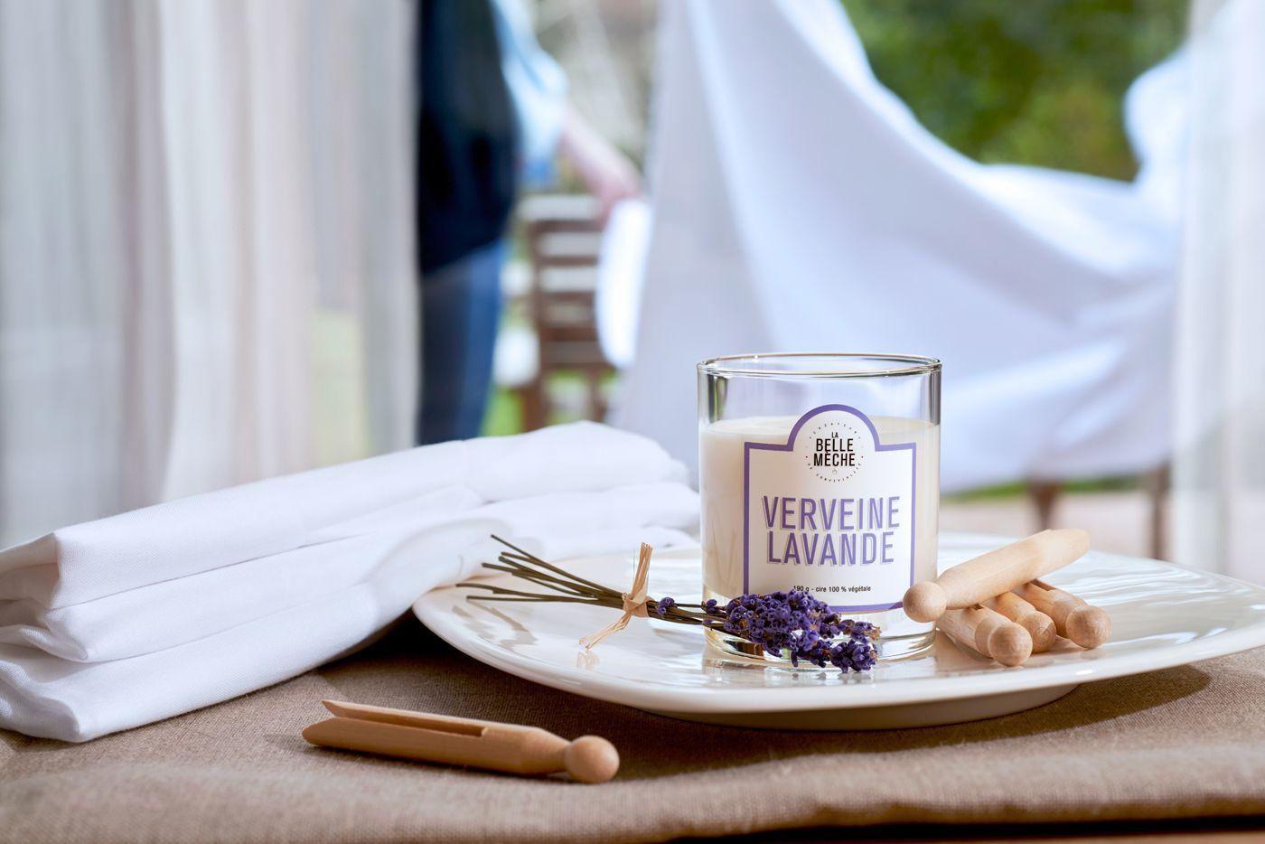 Verveine Lavande - #LaBelleMeche #BougieParfumee #ScentedCandle #lifestyle - Photographe : Blaise Arnold - Production : La Fabrique de Mai