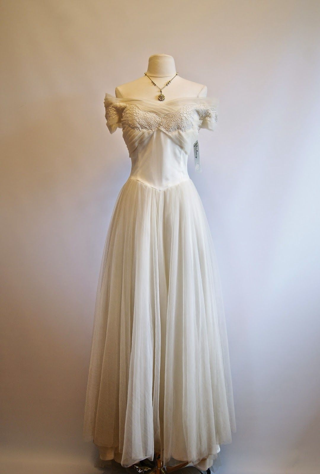 Xtabay Vintage Clothing Boutique Portland Oregon Vintage Outfits Wedding Dresses Vintage Vintage Clothing Boutique