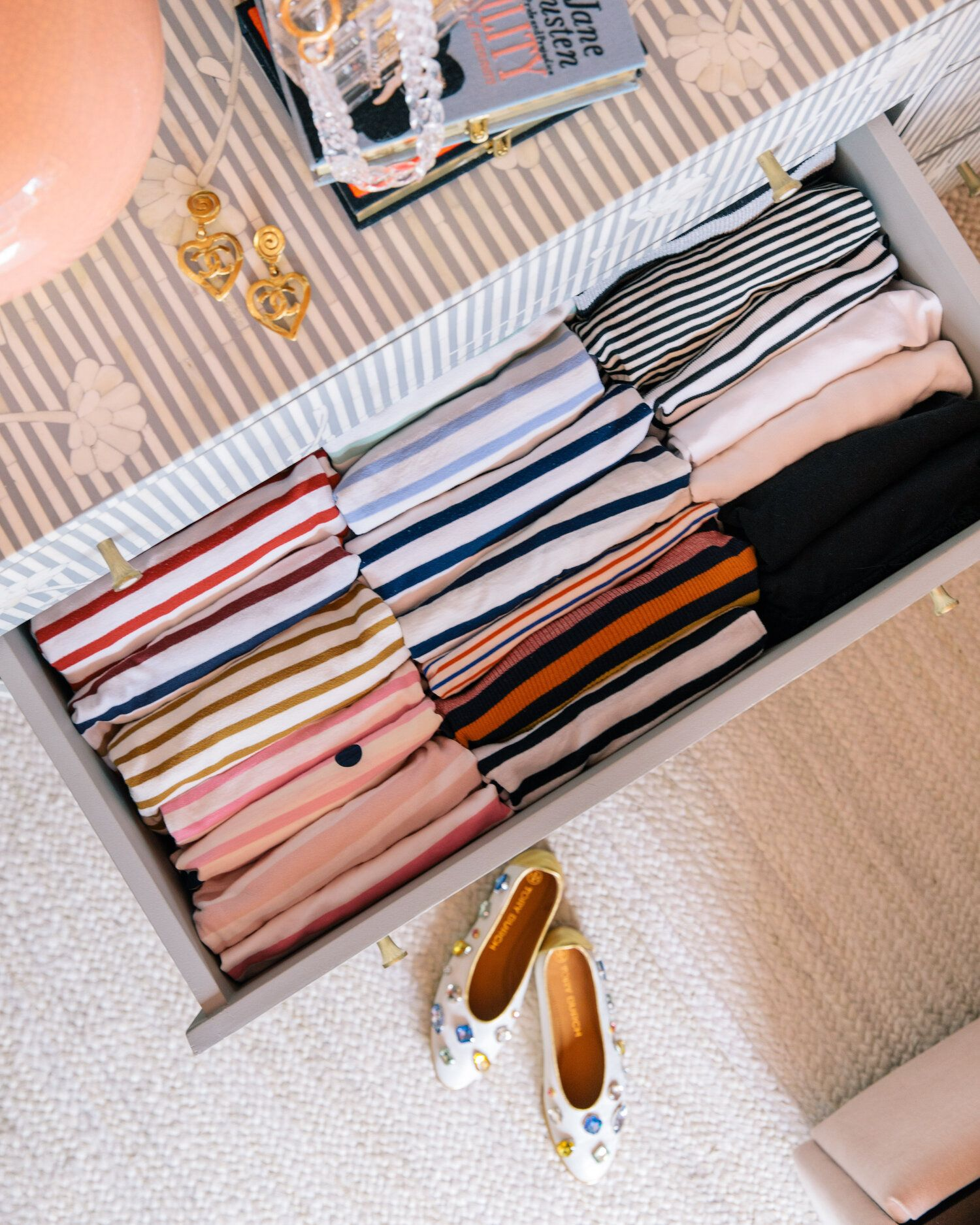 storage hacks in my tiny new york apartment that just make ...