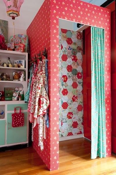 Gorgeous Change Room In A Childrenu0027s Boutique.... Little Girl Home Dressing Room  Inspiration
