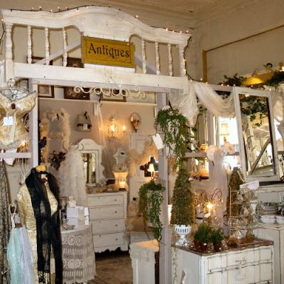 Feathering Your Nest Antique Shop - Smithville, TX - Smithville Antiques: Welcome to Our Shop