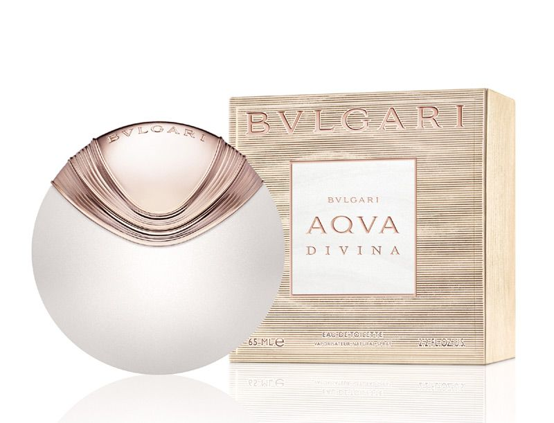 Aqva Divina is the first feminine fragrance from the Bvlgari Aqva collection, which has so far included only masculine scents. The fragrance is announced as very bright and sensual.Its floral-aquatic composition signed by perfumer Alberto Morillas opens with aromas reminiscent of the salty sea; there are accords of bergamot, salt crystals and red ginger. Magnolia and quince form the heart of the perfume, which is followed by the base of beeswax, precious woods and amber.