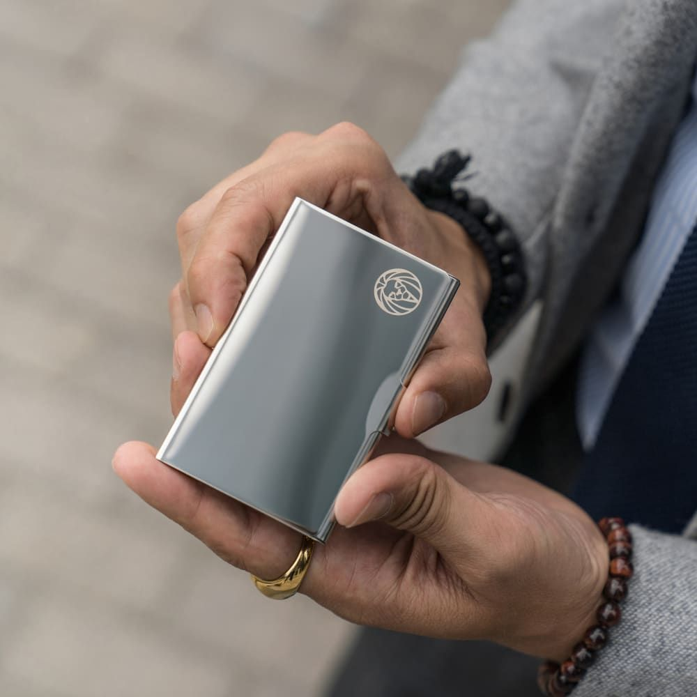 Silver-Toned Steel Cardholder | In stock! | Lucleon