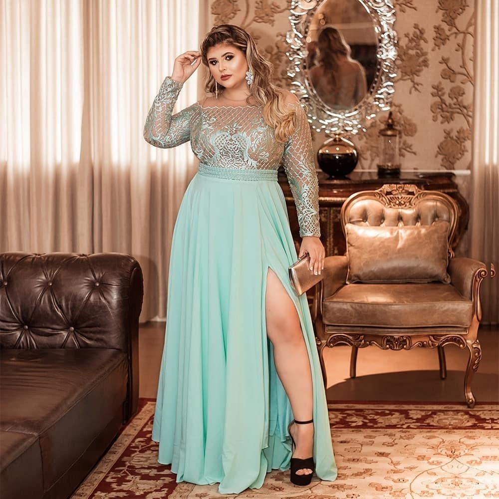 """MAIS BELA Locação de Vestidos on Instagram: """"Nada é mais forte e admirável  que uma mulher …   Plus size formal dresses, Plus prom dresses, Evening  dresses plus size"""