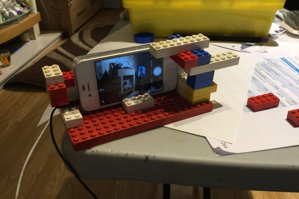 Lego phone stand | Motion video
