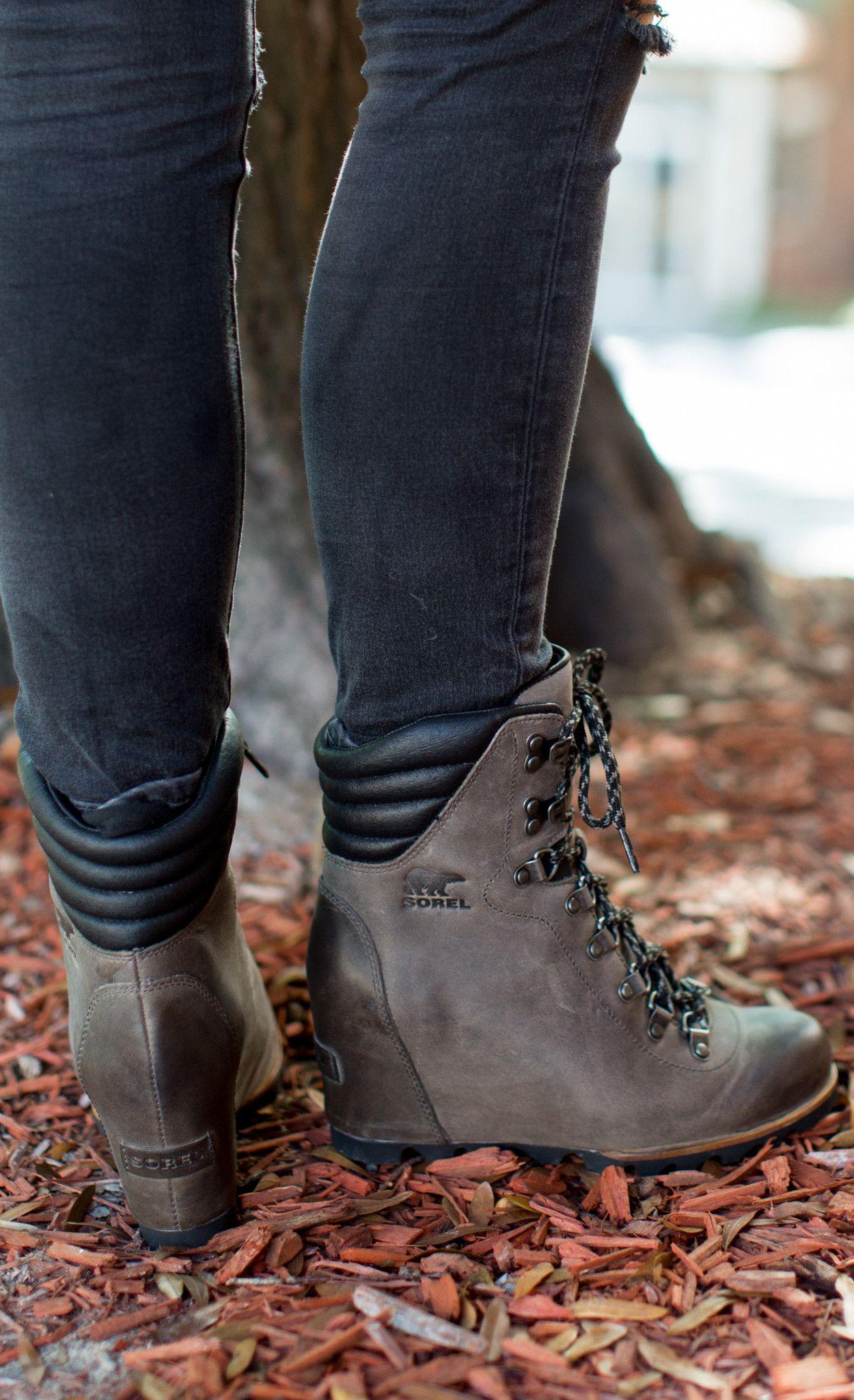 152bbfa7e8108 Function meets fashion Details: - Waterproof - Leather upper ...