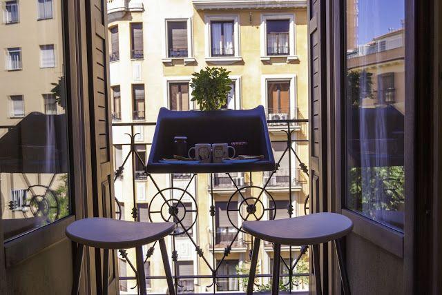 Con u par michael hilgers pour rephorm balkonzept repose - Table accroche balcon ...