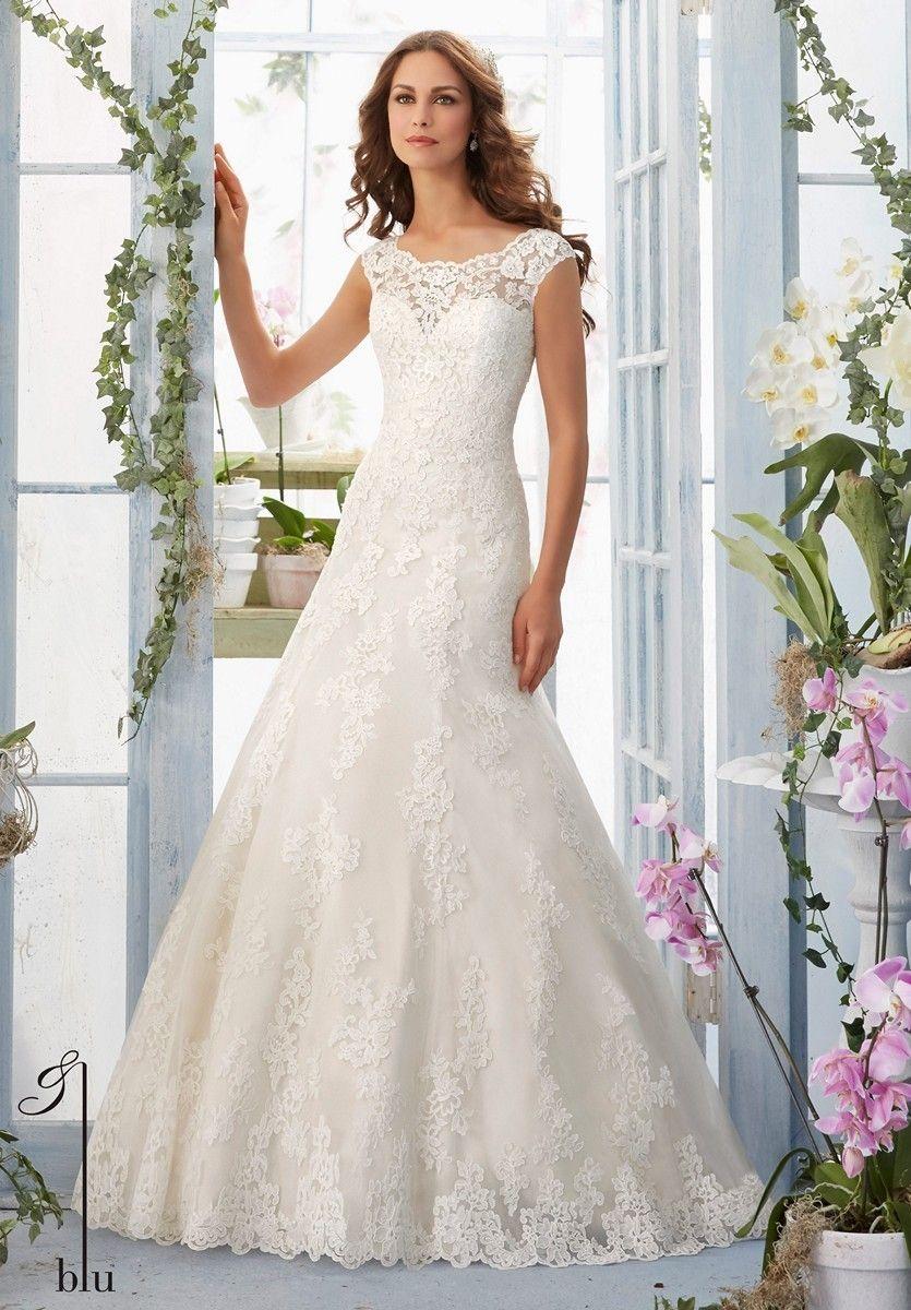 0c95c4dd2883 MoriLee 5410 – Anina Brud & Festspecialisten Bröllopsklänningsstilar,  Tärnklänningar, Formella Klänningar, Förlovning,