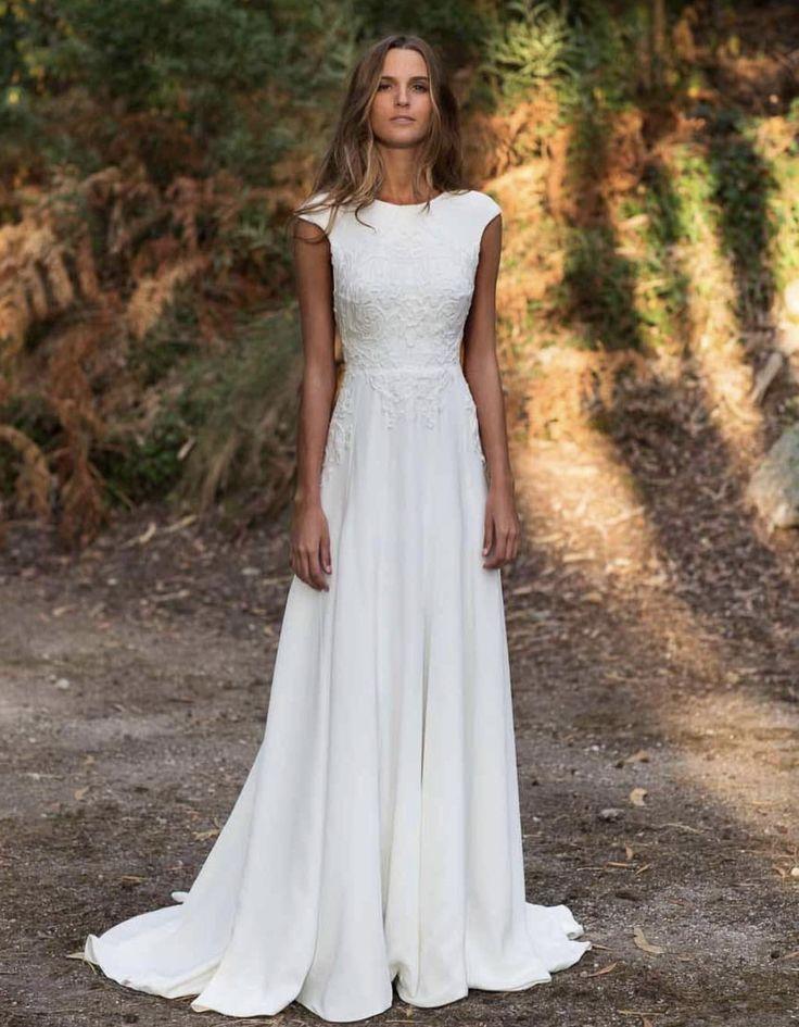 Wunderschöner #WEDDING Look. WEISSES KLEID FÜR HOCHZEITSFEIER. Rustikales Hoch…
