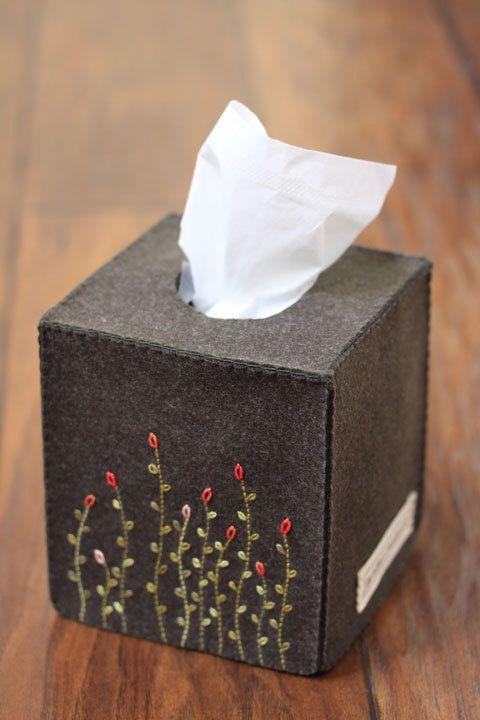 Nikkie S Felt Swaying Flower Tissue Box Cover Dark Khaki Etsy Tissue Box Covers Tissue Boxes Diy Tissue Box Cover