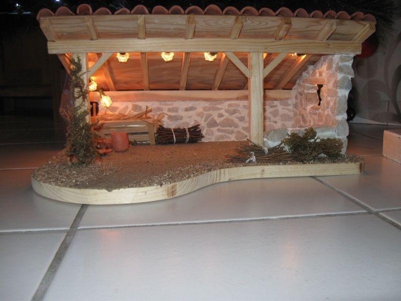 Plan pour fabriquer une creche de noel en bois   Crèches de noël