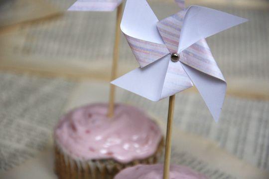The Perfect Pear: DIY // Pinwheel Cupcake Toppers