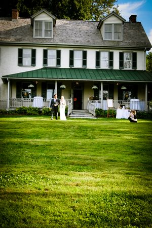 Outdoor Wedding Ceremony, Springton Manor Farm, Rustic Wedding Ceremony, Historic Wedding Venues, William Penn's Home www.leahdanielsphotography.com Scranton Wedding Photographer