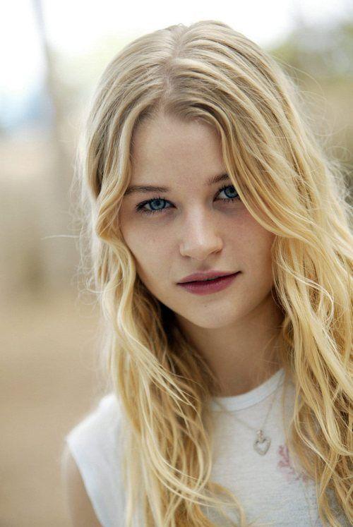 Persephone Polly Light Blonde Hair Blue Eyes Pink Lips
