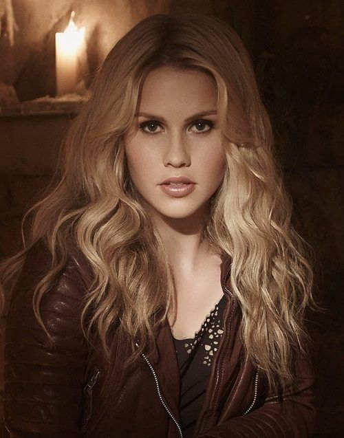 Claire Holt, love her hair