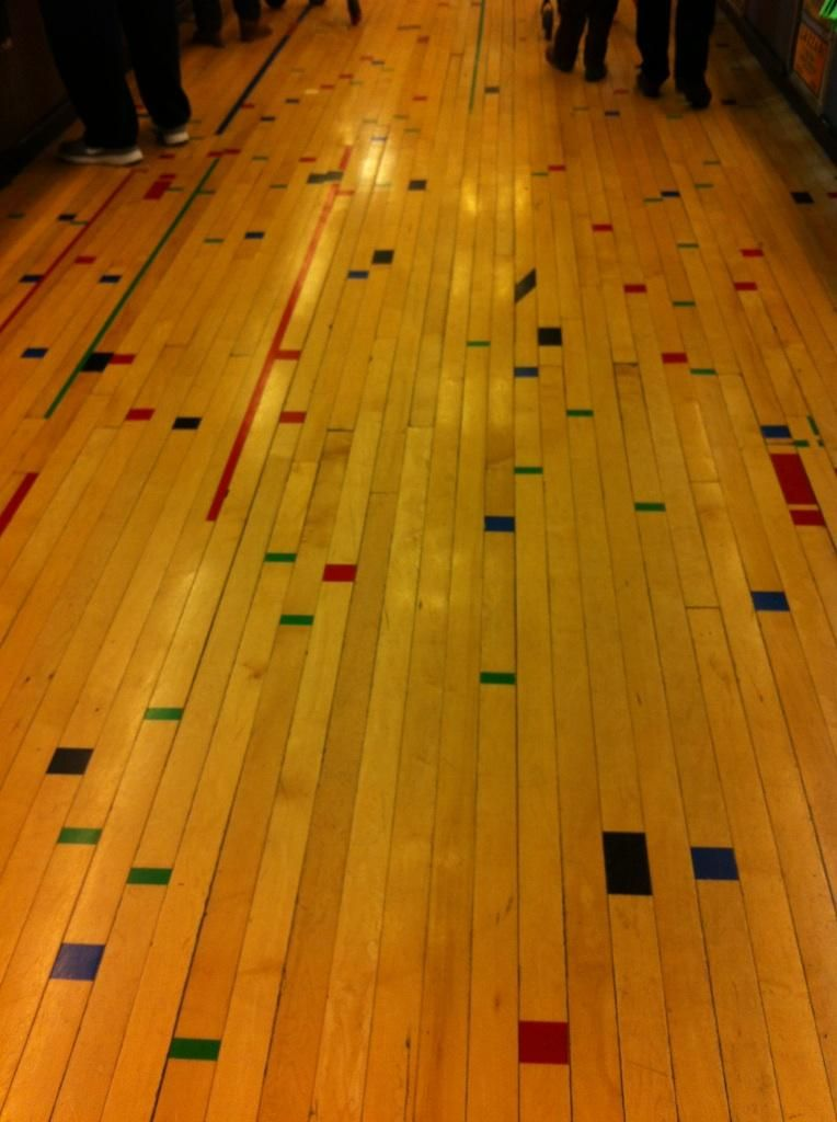 Whole foods haight reclaimed wood gym floor woonkamer for Reclaimed gym floor