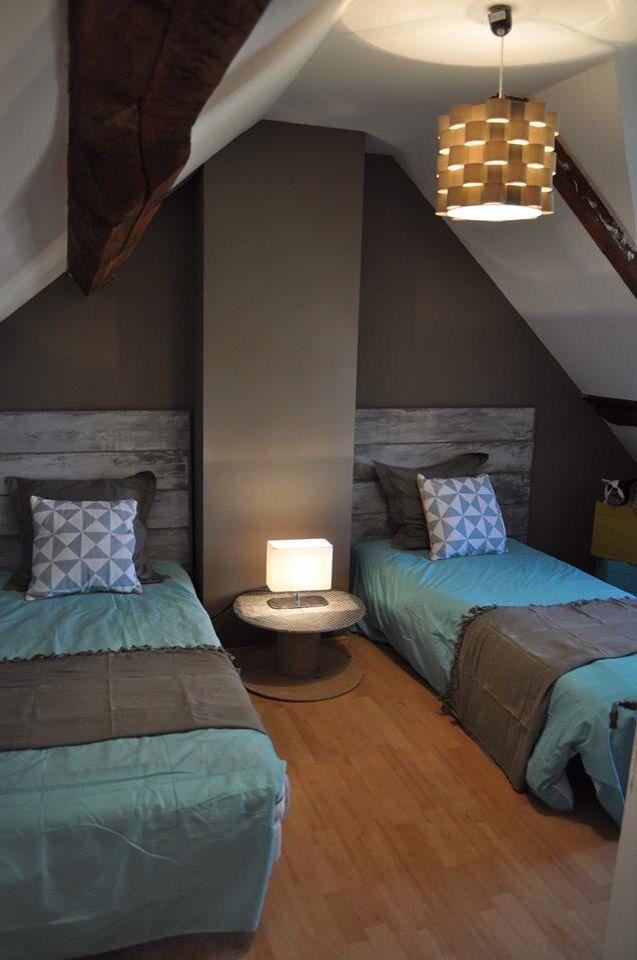 chambre d 39 amis chaleureux ton chaud bleu turquoise ton. Black Bedroom Furniture Sets. Home Design Ideas